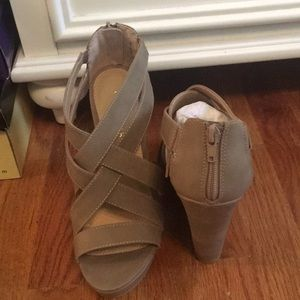 Shoes - Brand new Chinese laundry wedges